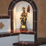 Detail Kachelofen - Nische für Statue